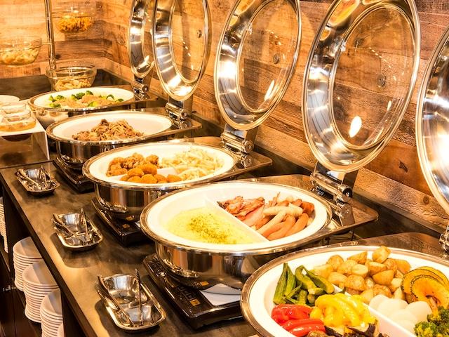 ホテルレンブラントスタイル札幌 海鮮以外にもスープカレーやジンギスカンなど約80種のメニュー