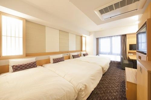 ベッセルホテルカンパーナ京都五条 デラックスルーム(29㎡)エキストラベット2台利用