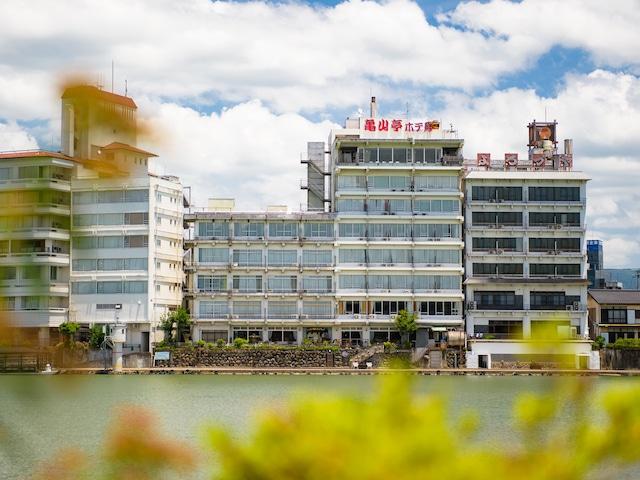 日田温泉 亀山亭ホテル 外観・川側より