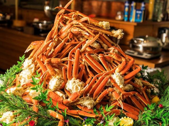 セレクトグランドホテル加賀山中 11月1日~2020年3月31日の期間はご夕食にカニ足食べ放題。