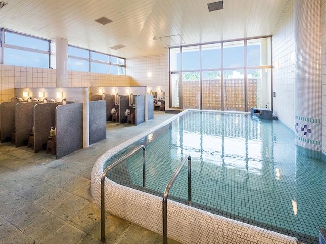 アートホテル石垣島 大浴場「にぃふぁい湯」
