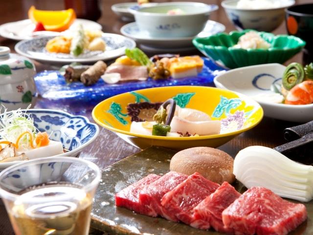 由布院温泉 柚富の郷 彩岳館 夕食一例