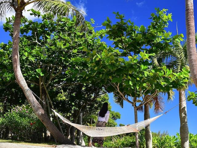 ココ ガーデンリゾート オキナワ ハンモックに揺られながらリゾートを満喫