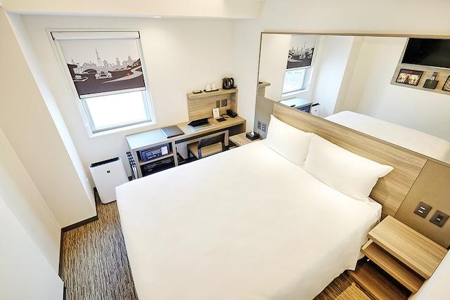 レッドプラネット札幌 すすきの南 ダブルベッド 16㎡ ベッド幅150㎝
