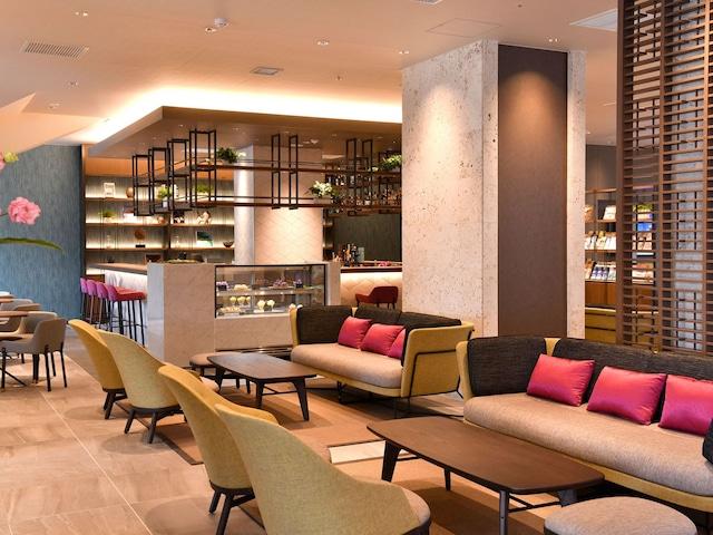 フサキビーチリゾートホテル&ヴィラズ Lounge bar ADAN
