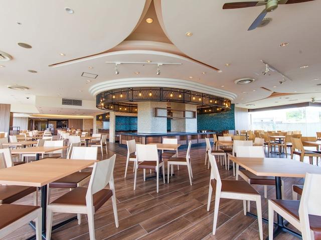 オキナワグランメールリゾート レストラン「ドレスダイナー」