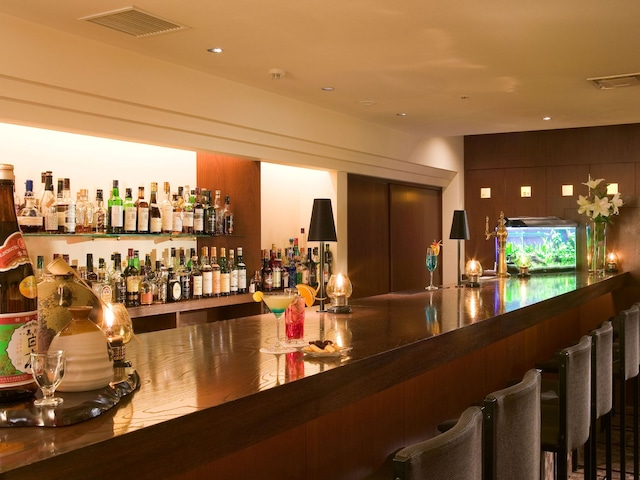 ホテルヒューイット甲子園 Bar「欅」