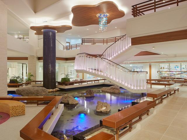 シェラトン沖縄サンマリーナリゾート 【メインタワー】フロント前ラグーナ