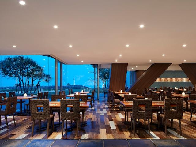 シェラトン沖縄サンマリーナリゾート ダイニングルーム『センス』