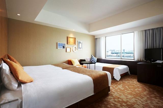 ホテルユニバーサルポート スーペリアツイン34㎡ (3名1室一例)
