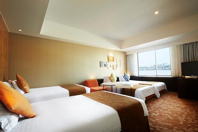 ホテルユニバーサルポート デラックスツイン 40㎡ (4名1室一例)