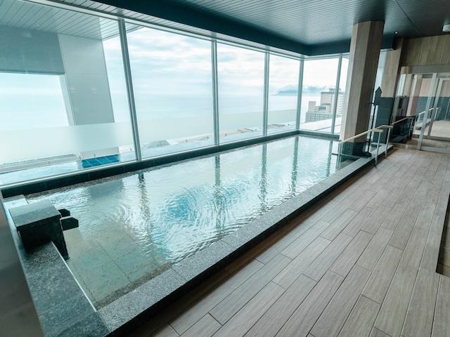 函館湯の川温泉 海と灯 大浴場「天海」