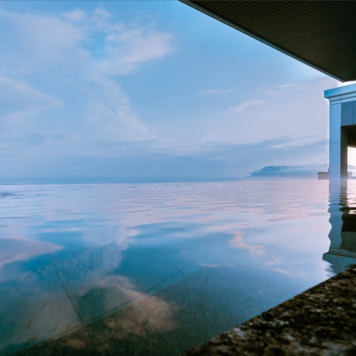 函館湯の川温泉 海と灯